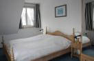 http://sylt-ferienhaus-ferienwohnung.de/wp-content/uploads/2013/08/ferienwohnung-morsum-winnies-hues-app-5-schlafzimmer.jpg