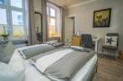 http://sylt-ferienhaus-ferienwohnung.de/wp-content/uploads/2018/05/doppelzimmer-aschenputtel-sylt-ansicht-03.jpg