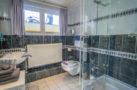 http://sylt-ferienhaus-ferienwohnung.de/wp-content/uploads/2018/05/doppelzimmer-froschkoenig-sylt-badezimmer.jpg