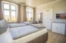 http://sylt-ferienhaus-ferienwohnung.de/wp-content/uploads/2018/05/doppelzimmer-schneewittchen-sylt-ansicht-07.jpg