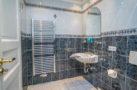 http://sylt-ferienhaus-ferienwohnung.de/wp-content/uploads/2018/05/doppelzimmer-schneewittchen-sylt-badezimmer-02.jpg