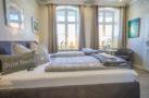 http://sylt-ferienhaus-ferienwohnung.de/wp-content/uploads/2018/05/doppelzimmer-sterntaler-sylt-ansicht-03.jpg