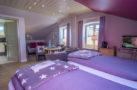 http://sylt-ferienhaus-ferienwohnung.de/wp-content/uploads/2018/05/familienzimmer-frau-holle-sylt-ansicht-04.jpg