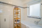 http://sylt-ferienhaus-ferienwohnung.de/wp-content/uploads/2018/05/fewo-meeresleuchten-sylt-badezimmer-2.jpg