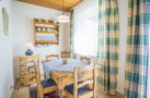 http://sylt-ferienhaus-ferienwohnung.de/wp-content/uploads/2018/05/fewo-wildrose-eg-sylt-essbereich.jpg