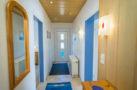 http://sylt-ferienhaus-ferienwohnung.de/wp-content/uploads/2018/05/fewo-wildrose-eg-sylt-flur-01.jpg