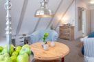 http://sylt-ferienhaus-ferienwohnung.de/wp-content/uploads/2018/12/ferienwohnung-duene-west-wohnzimmer.jpg