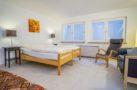 http://sylt-ferienhaus-ferienwohnung.de/wp-content/uploads/2019/02/ferienwohnung-weisses-kliff-schlafzimmer-03.jpg